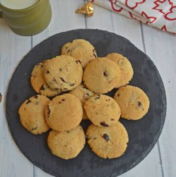 Eggless Cranberry Cookies