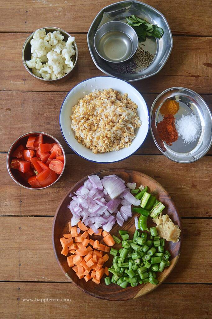 Instant pot khichdi with vegetables , Ingredients