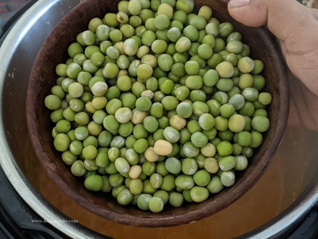 add in the soaked dried peas